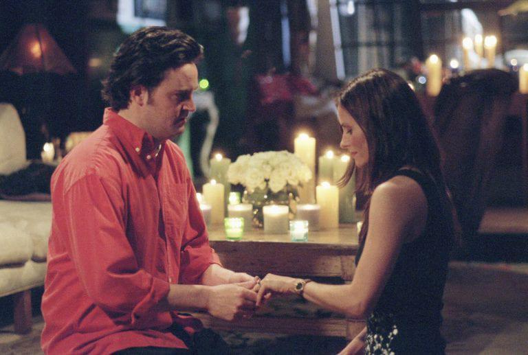 c7582c22b91b Oι 20 καλύτερες προτάσεις γάμου που έχουμε δει σε τηλεοπτικές σειρές! -  Watch   Chill