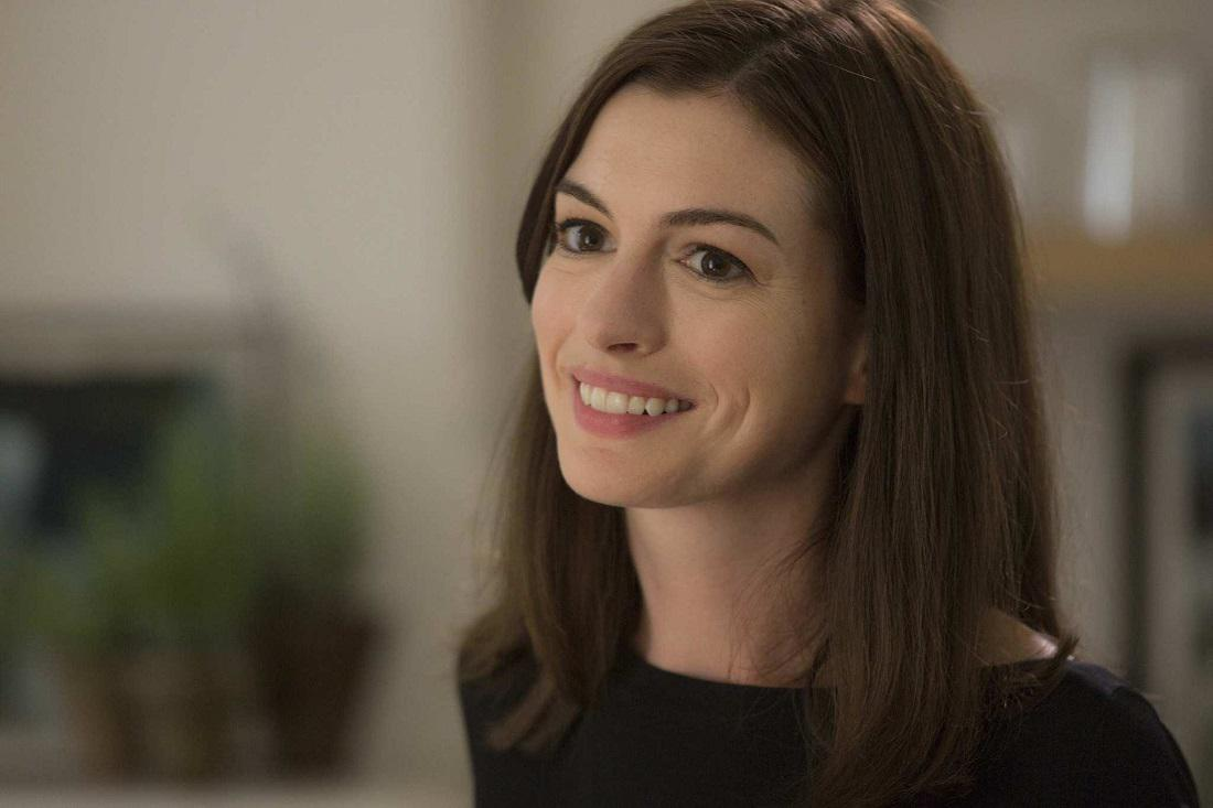 still of anne hathaway in the intern 2015 large picture AMAZON PRIME VIDEO | Anne Hathaway | MODERN LOVE AMAZON PRIME VIDEO, Anne Hathaway, MODERN LOVE