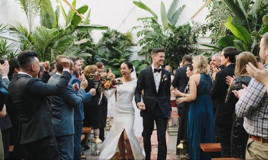 gustin wedding Andrea 'LA' Thoma | Flash | GOSSIP Andrea 'LA' Thoma, Flash, GOSSIP, Grant Gustin, γάμος, παντρεύτηκε